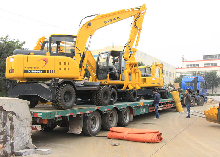 Wolwa Group exported 6 sets excavators to Paraguay smoothly
